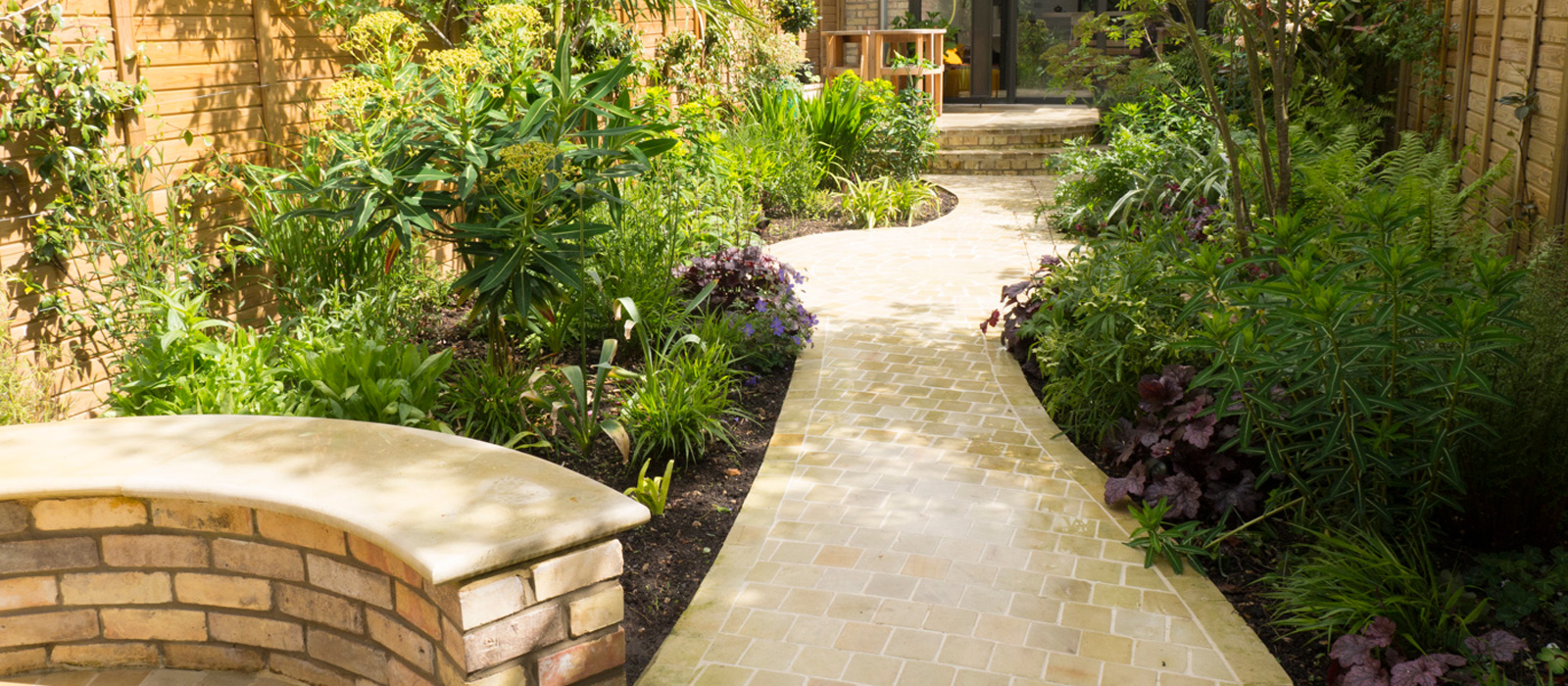 Cambridgshire's Professional Landscaping Services